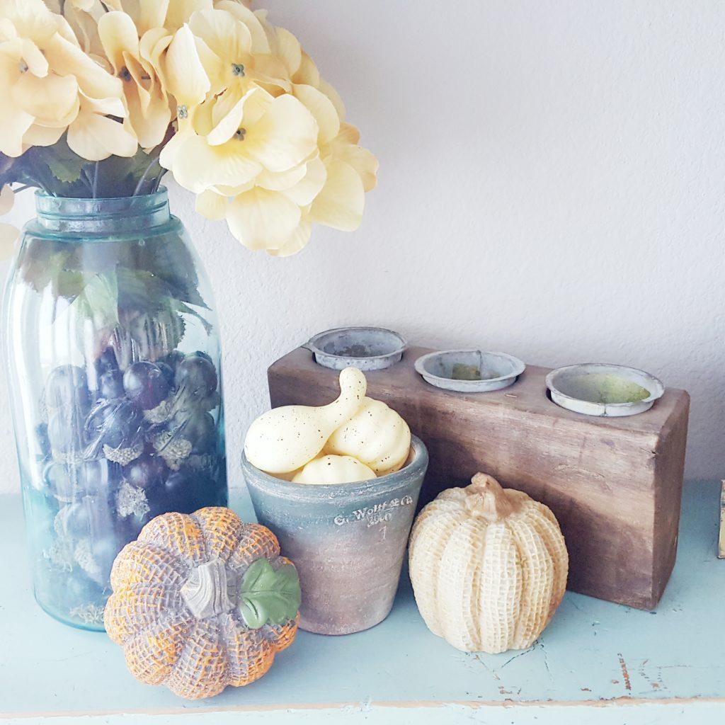 Fall decoration shelf hydrangeas pumpkins acorns