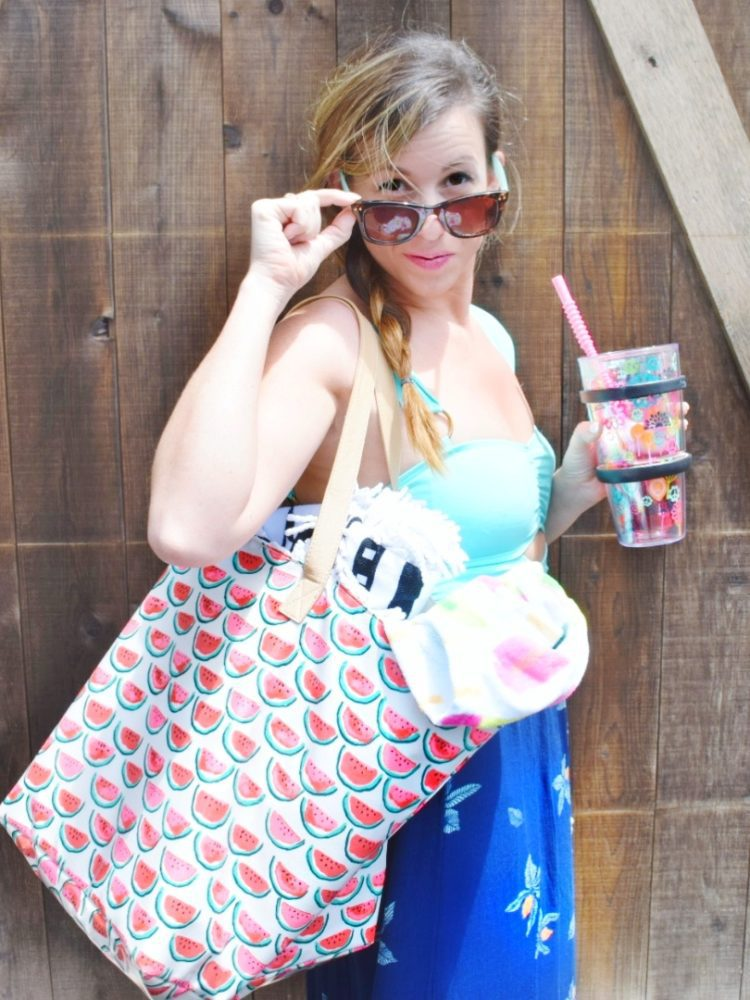 Mom Style Monday The Perfect Mom Pool Outfit