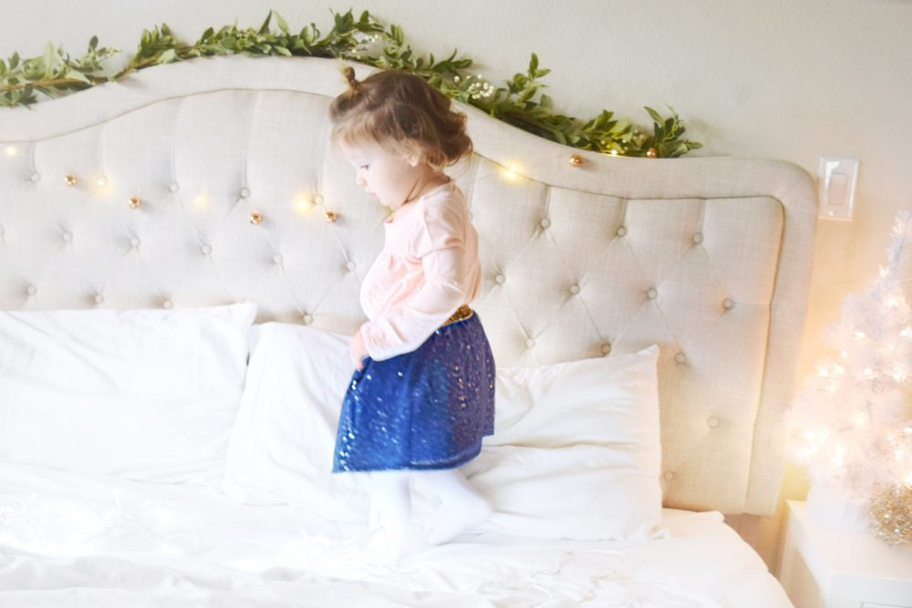 Twinkle Light Christmas Pictures kid holiday photo ideas
