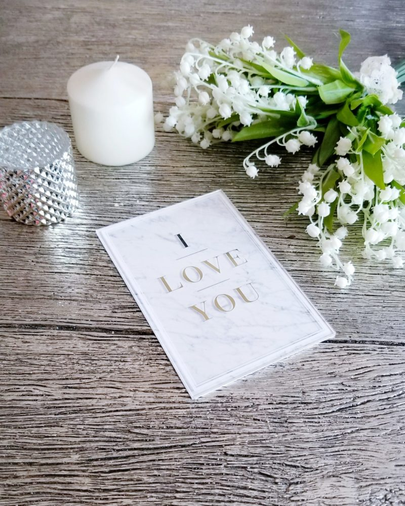 Valentine's Date Night Surprise Tips How to Surprise your Loved One Cute Card Ideas Surprise Date Night Ideas How to Pull Off a Surprise Date Night Best Date Night Ideas Best Valentine's Date Night Ideas Hallmark Cards Hallmark Signature Cards Best Valentine's Day Cards Marble Decor Marble Card
