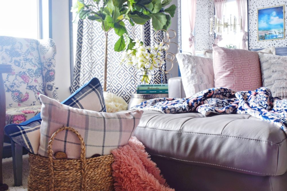 When to Splurge and When to Save? Home decorating ideas and tips Modern Decor Decorating Ideas Bright Colorful Living Room Decor