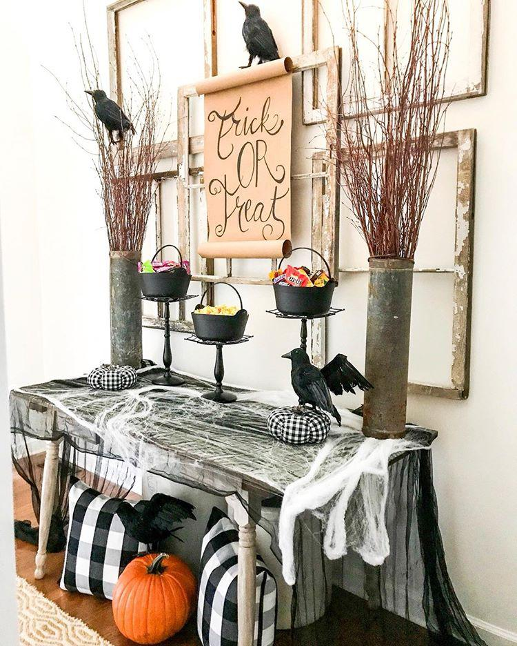 Fun and Spooky Candy Bar Halloween Entryway Decor Ideas How to Decorate your Entryway for Halloween A Halloween Candy Bar Tips and Ideas