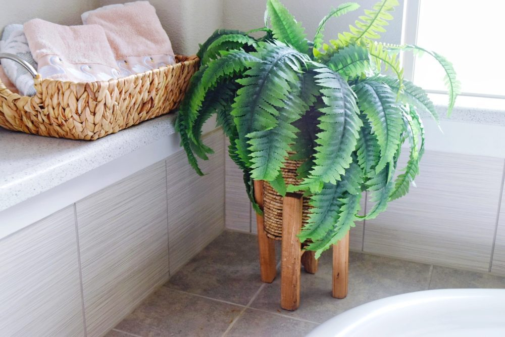 Master Bathroom Decor Ideas For Fresh Modern Coastal Look on a Budget How to Decorate Master Bathroom on a Budget Affordable and Stylish Decorating Tips