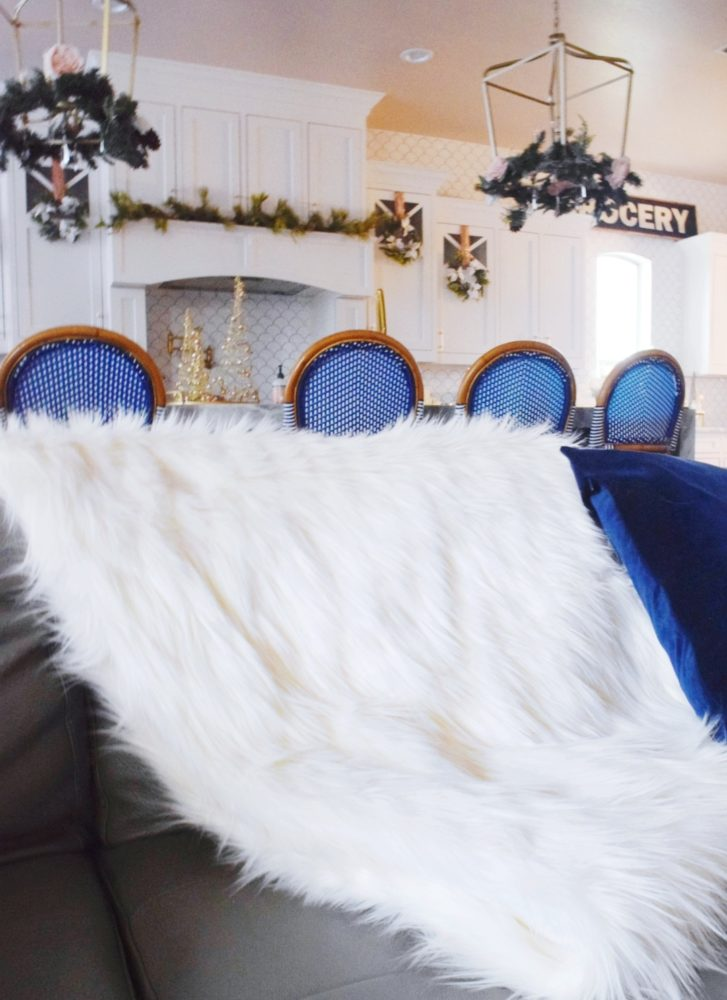 DIY no new faux fur throw blanket tutorial christmas decorations in the kitchen
