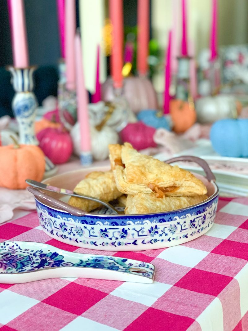 fall decor ideas using chinoiserie french blue decor painted pumpkins pink gingham hot pink painted pumpkins and pink taper candle centerpiece
