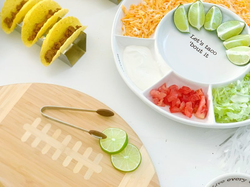 how to host the best homegating party (including a touchdown taco bar!)