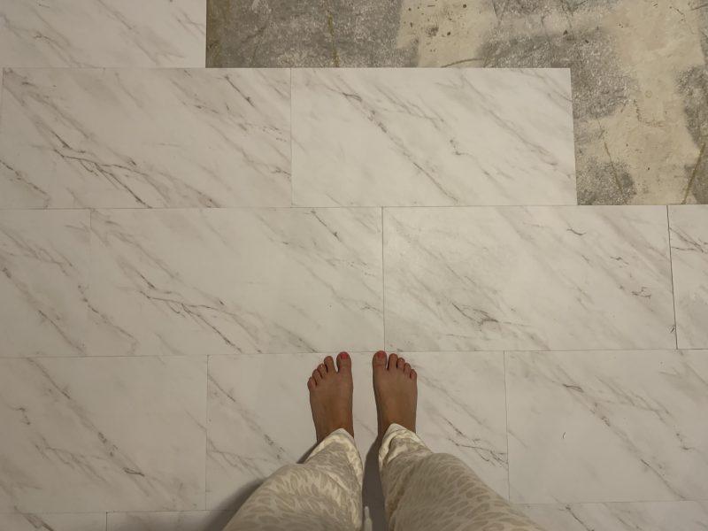 vinyl peel and stick tile