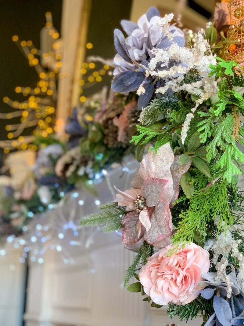 how to decorate a mantel for christmas in 5 easy steps