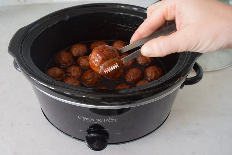 grape jelly bbq meatballs in crockpot party appetizer