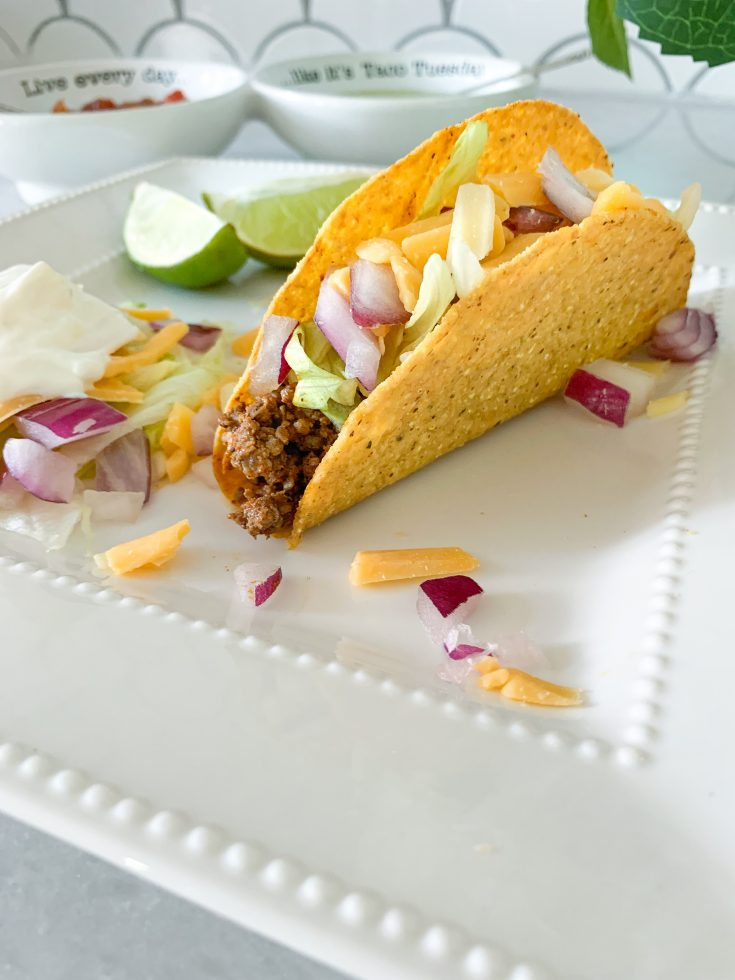 ground beed tacos with toppings