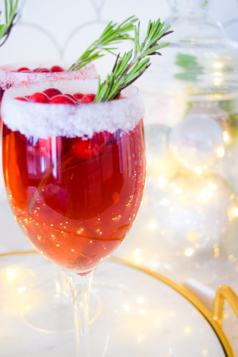 Cranberry Champagne Christmas Cocktail
