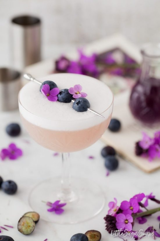 violet bluberry gin sour cocktail recipe for at home happy hour