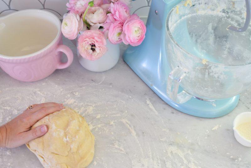 How to make homemade glazed doughnuts