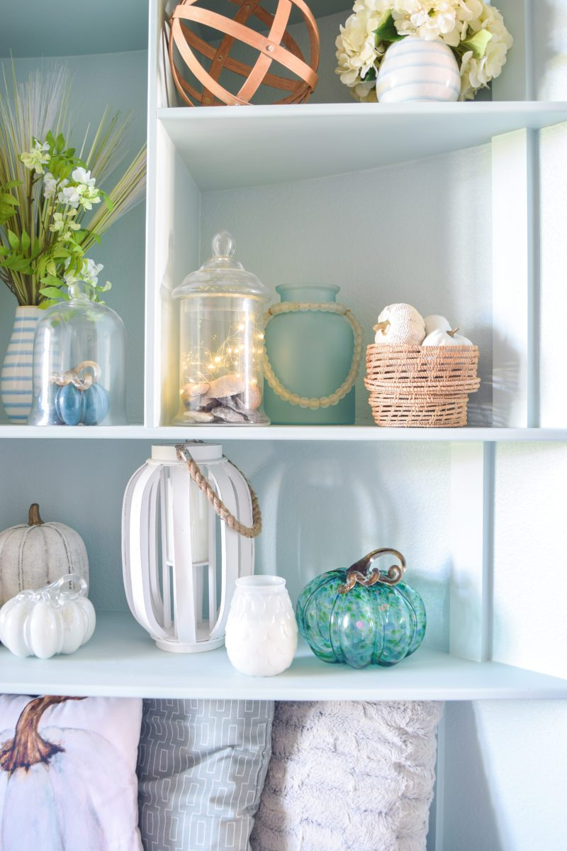 Coastal blue and white fall decorating ideas