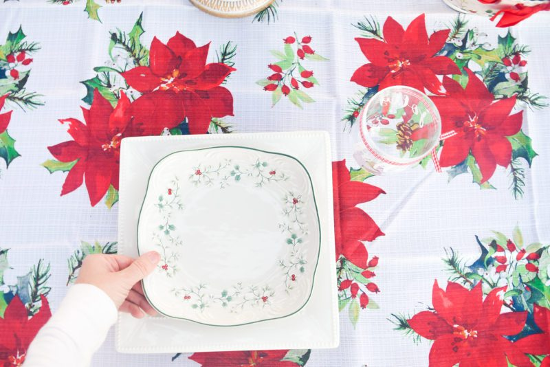 Easy Christmas Centerpiece Ideas
